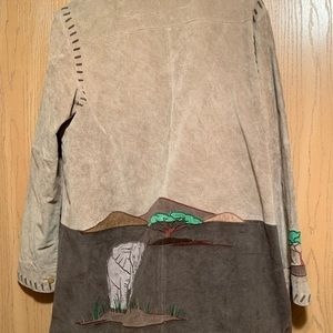 Quaker tan/brown suede jacket with design